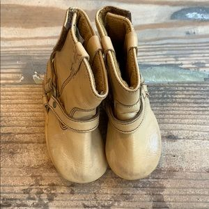 Infant Frye harness boots